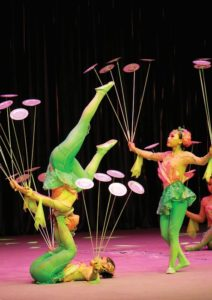 Chinese Acrobats 3